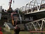 tribunkalteng-jembatan-ambrol_20180418_094308.jpg