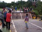 tribunkalteng-jembatan-patah_20171230_100339.jpg