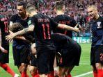 tribunkalteng-kroasia-merayakan-gol-ivan-perisic_20180712_070421.jpg