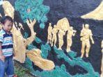 tribunkalteng-relief-sejarah-di-taman.jpg