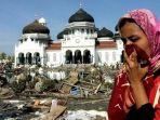 tribunkalteng-tsunami-aceh.jpg
