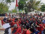 tribunkaltengcom-aksi-unjuk-rasa-aliansi-mahasiswa-farmasi.jpg