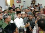 tribunkaltengcom-berebut-selfie-dengan-presiden-jokowi.jpg