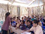 tribunkaltengcom-guru-honor-sekolah-miskin-pedalaman.jpg
