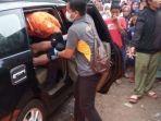 tribunkaltengcom-kepala-sekolah-tewas-di-mobil.jpg