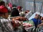 tribunkaltengcom-korban-gempa-bumi-ambon-mengungsi.jpg