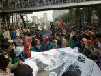 tribunkaltengcom-unjuk-rasa-mahasiswa-desak-perppu.jpg