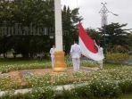 upacara-hut-ke-75-kemerdekaan-ri-di-halaman-kantor-bupati-kapuas-1782020-1.jpg