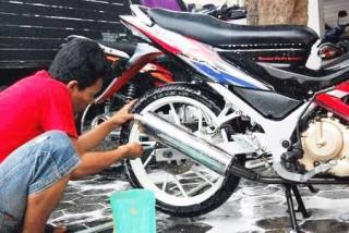 Bisnis Cuci Motor, Jeli Melihat Peluang