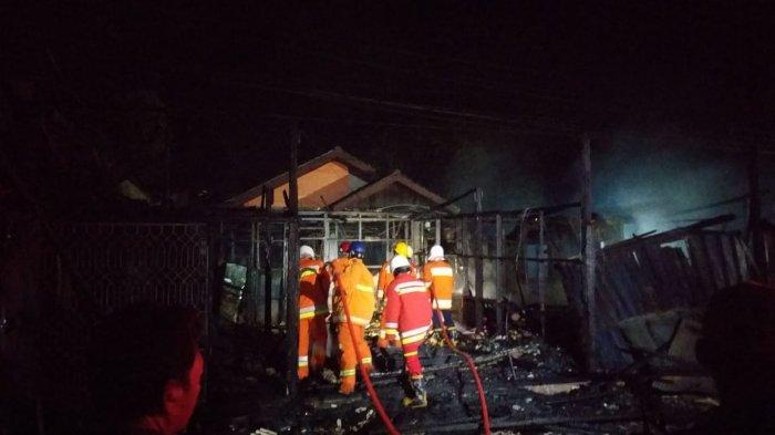 Diduga Disengaja, Konter Pulsa dan Warung Makan di Balikpapan Selatan Ludes Terbakar