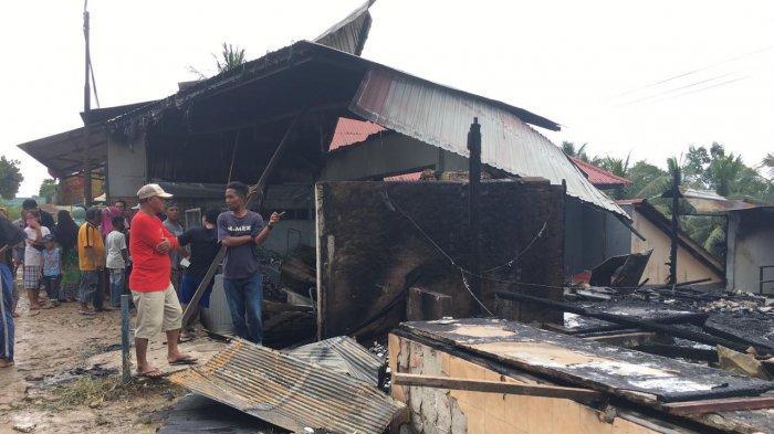 Dua Rumah Makan dan Satu Kontrakan Ruko Tiga Pintu di Tenggarong Seberang Terbakar