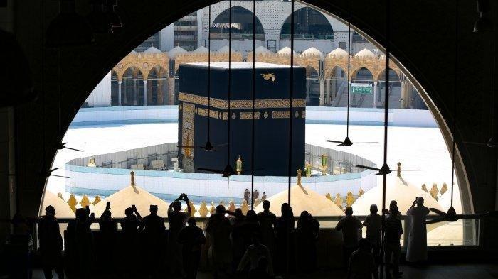 10 Ribu Jemaah Lakukan Ibadah Haji di Tengah Pandemi, Suasana Tawaf Dalam Kondisi Berbeda