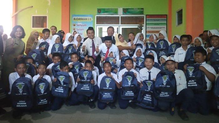 Kabupaten yang Jadi Ibu Kota Baru Indonesia Beri Seragam Sekolah Gratis, Mulai TK Hingga SMP
