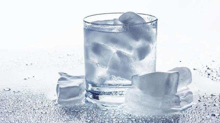 STOP Minum Air Es, Ini Akibatnya Bagi Kesehatan Tubuh Anda, Bisa Membuat Radang Tenggorokan