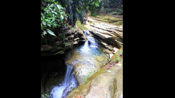 Objek wisata air terjun Batu Lapis di Kecamatan Kaliorang Kabupaten Kutai Timur