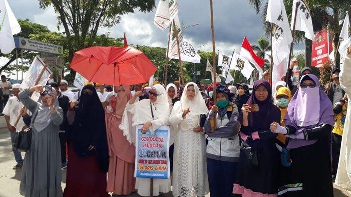 Umat Muslim Kalimantan Timur dari 7 Organisasi Keagamaan Gelar Aksi Bela Muslim Uighur
