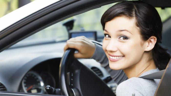 Cara Mengemudi Mobil yang Aman dan Nyaman Saat Berada di Jalan Menanjak