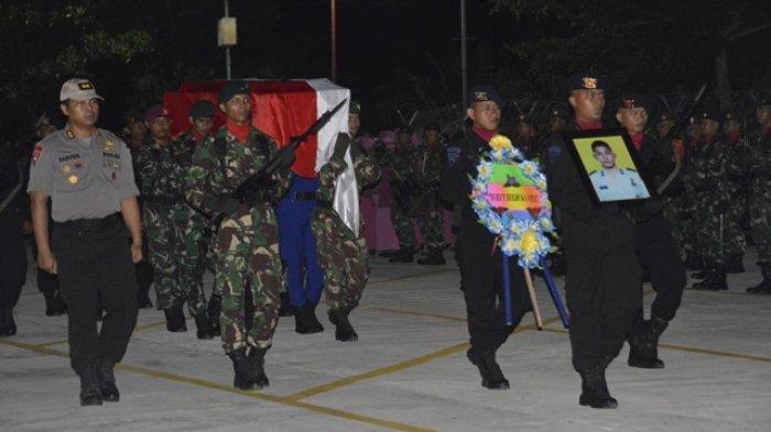 Gugur Dalam Kontak Senjata di Papua, Kedatangan Jenazah Aldy Disambut Haru Kapolda Kaltara
