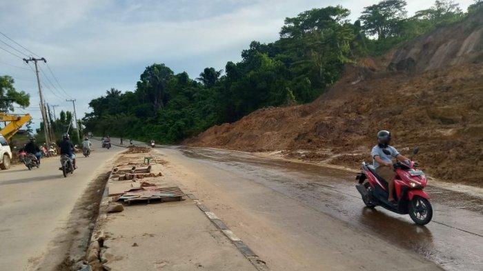 BERITA FOTO Kondisi Terkini Jalan Pattimura Samarinda Setelah Diterpa Runtuhan Tanah Longsor
