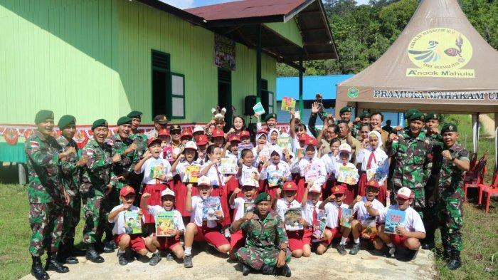 Kerja Sama dengan PT Gramedia Asri Media, TNI di Perbatasan RI-Malaysia Bangun Rumah Baca Cakra