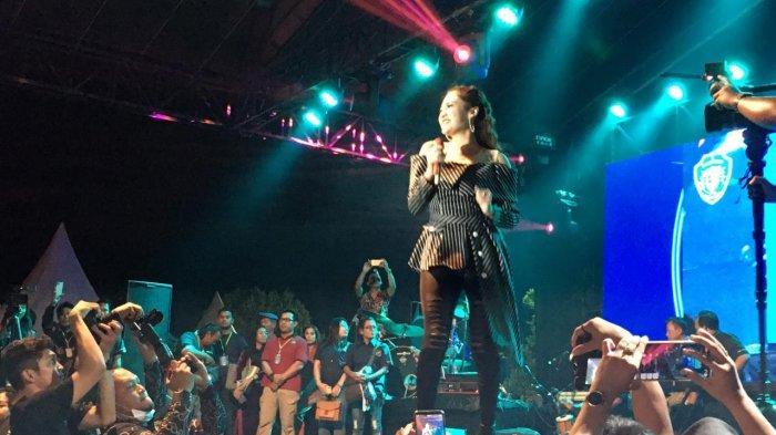 Nella Kharisma dan Nassar KDI Goyang Pasukan Ambyar, Bupati AGM: Warga Ibu Kota Cinta Damai