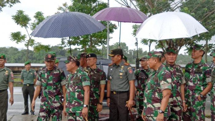 Pangdam VI Mulawarman Mayjen TNI Subiyanto Tinjau Pembangunan Markas Korem 092 Maharajalilla