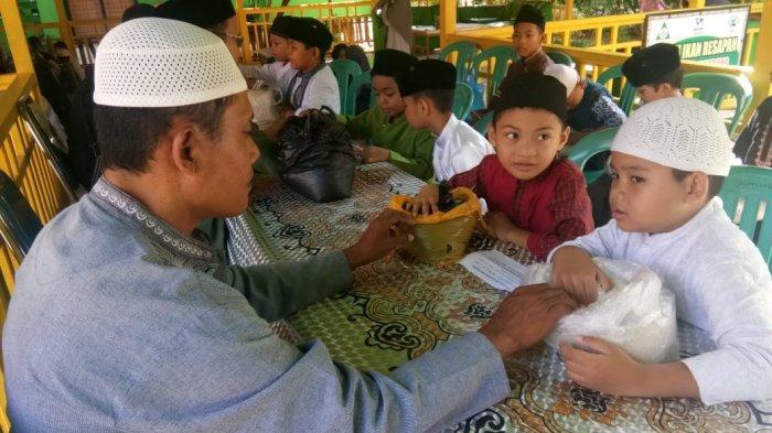 Niat Zakat Fitrah untuk Diri Sendiri, Istri, Anak dan Keluarga Serta Kadar Zakat Fitrah di Kaltim
