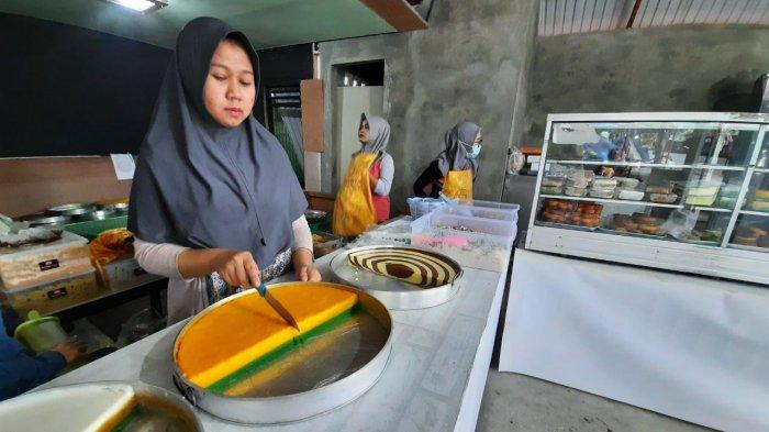 Warisan Keluarga Turun-temurun, Kue Talam Maskota Jadi Buruan Warga Samarinda, Omzet Rp 10 Juta/Hari