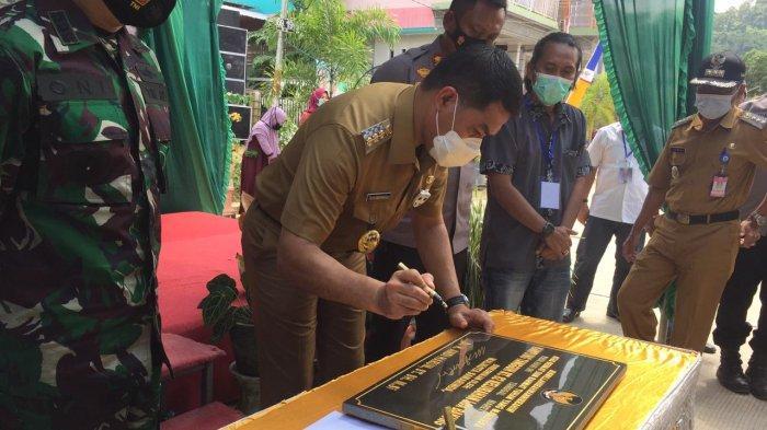 Walikota Samarinda Andi Harun Resmikan RT 82 Kelurahan Loa Bakung Jadi Kampung Tangguh Covid-19