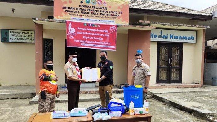 Pramuka Kukar Jadi Relawan Penanganan Covid-19, Terima Bantuan APD dari Kwarda Kaltim