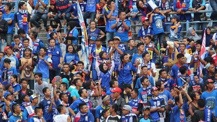 Kemenangan Telak Arema FC Tercoreng, Terancam Denda Lagi Akibat Ulah Aremania