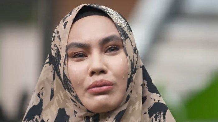 Cerita Kartika Putri Banyaknya Syarat Habib Usman untuk Jadi Istrinya: Dia Pikir Dia Brad Pitt Apa?