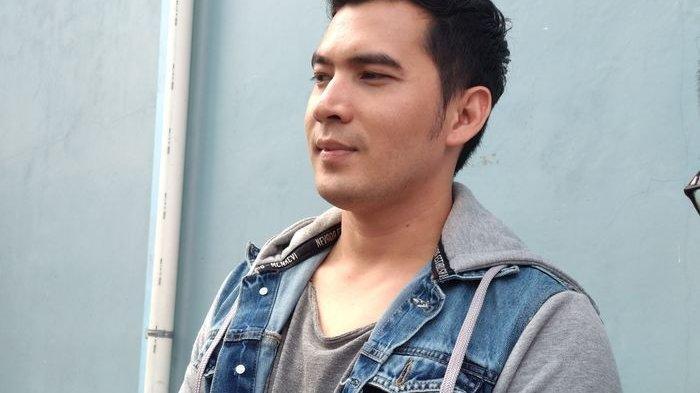 BREAKING NEWS - Artis Ridho Ilahi Ditangkap Polisi, Ditemukan Sejumlah Sabu-sabu di Rumahnya