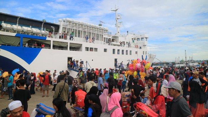 Arus Balik Lebaran di Pelabuhan Samarinda, KMP Prince Soya Sandar, Sempat Diwarnai Aksi Copet