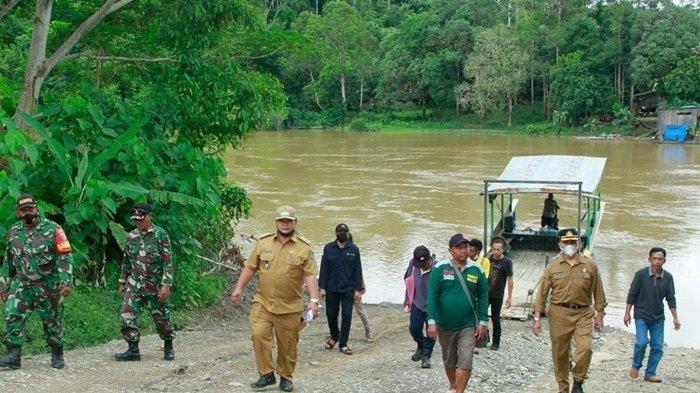 Pemkab Bersama Warga dan Kontraktor Identifikasi Lokasi Pembangunan Jembatan Sungai Ratah