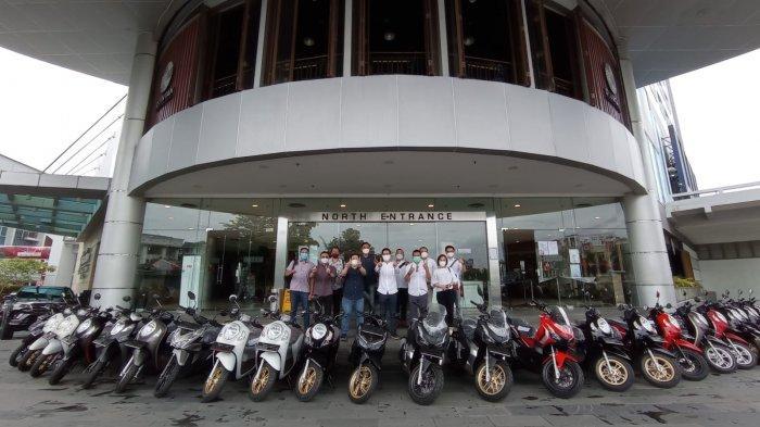 Kolaborasi Bisnis, Astra Motor Kaltim 1 Serahkan 54 Unit Motor Honda untuk Karyawan BSB Group