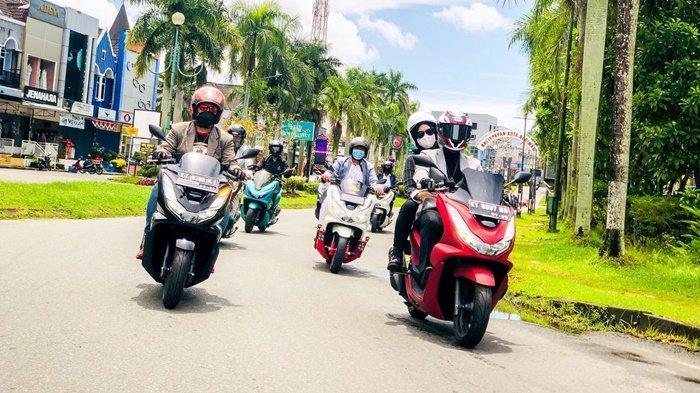Astra Motor Kaltim 1 Gelar PCX Luxurious Ride, Ajak 20 Bikers Rolling City