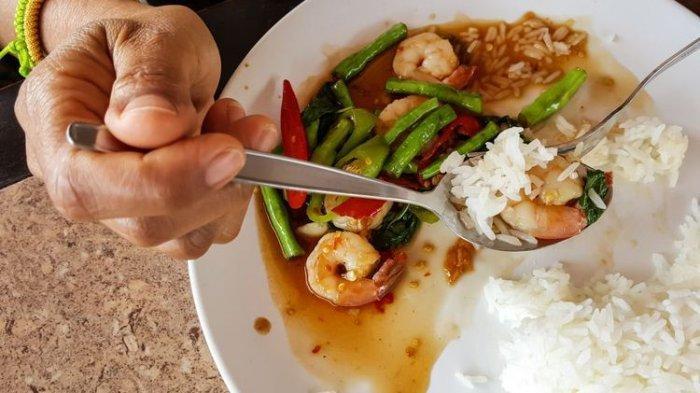 Berikut Panduan Jam Makan yang Terbaik Bagi Kesehatan, Makan Siang Antara Jam 13.00 hingga 15.00