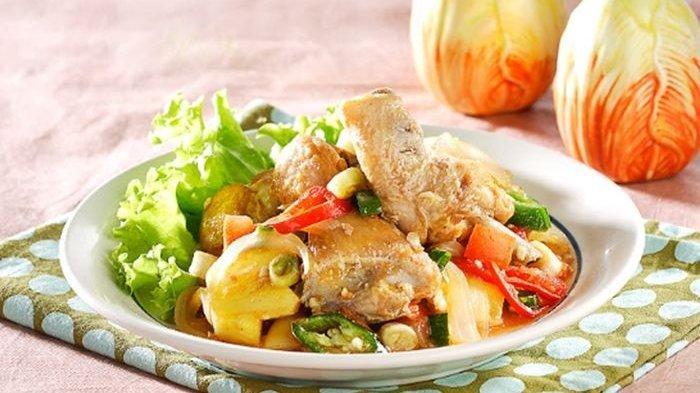 Resep Ayam Goreng Masak Nanas, Menu Makan Siang Akhir Pekan yang Bikin Keluarga Terkesan