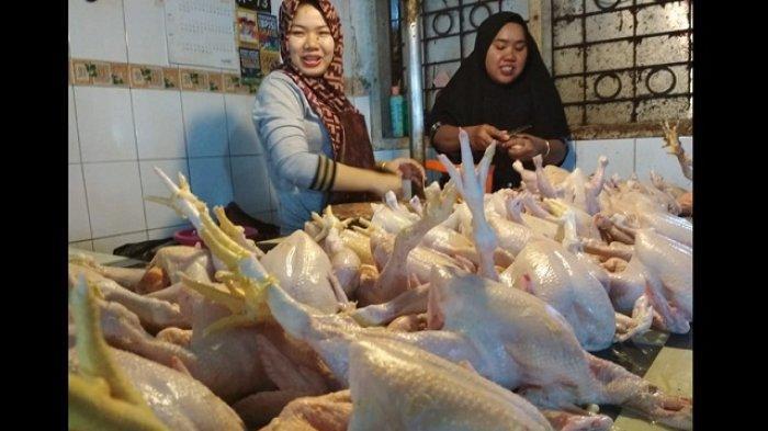 Harga Ayam Potong di Pasar Klandasan Berangsur Turun Pasca Lebaran, Pembeli Masih Sepi