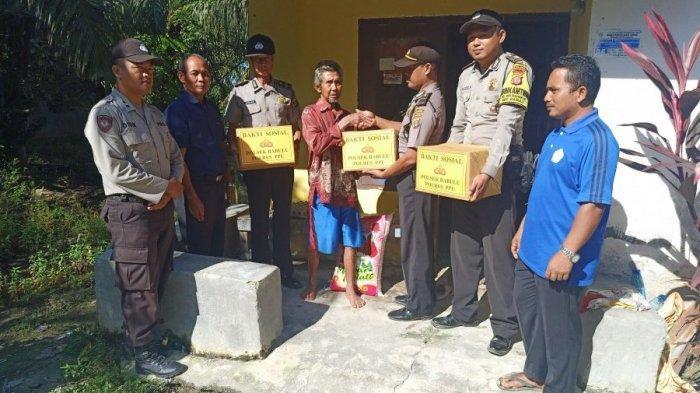 Bhakti Sosial, Polsek Babulu Berbagi Bantuan Sembako ke Warga, Siti Sudah Lama Menderita Stroke