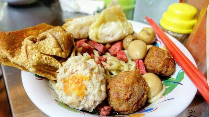 Traveler Lagi Mencari Kuliner Malam di Jakarta Barat, Ini Rekomendasinya, Nikmatnya Bakmi Ahau 38