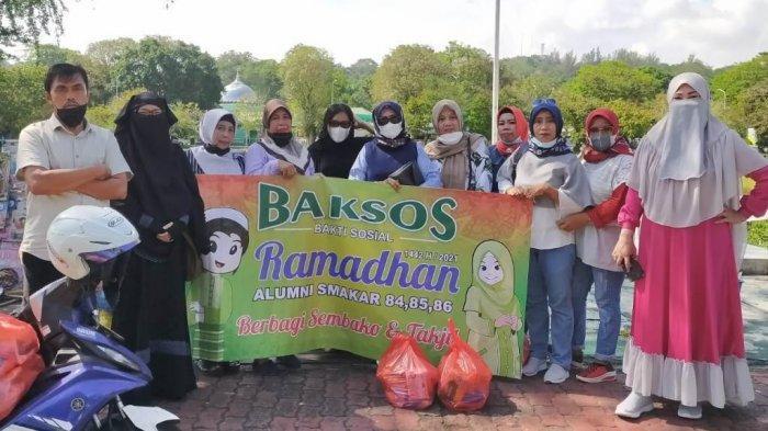 Alumni Smakar Gelar Kegiatan Baksos Jelang Ramadan, Bagikan Sembako buat Alumni dan Warga Tak Mampu