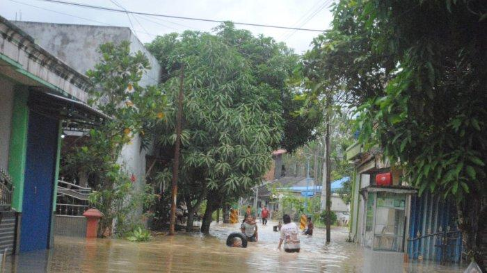 Warga di Perumahan Haji Saleh Loa Janan Ilir Samarinda Harap Pemerintah Carikan Solusi Jalan Air