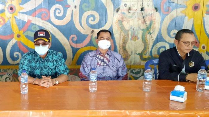 Serahkan Bantuan Genset 'PLN Peduli', Gubernur Kaltara dan GM PLN UIW Kaltimra Kunjungi Sungai Boh