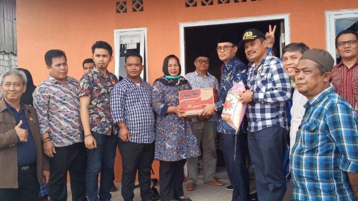 Anggota DPRD Penajam Paser Utara Salurkan Bantuan Logistik kepada Korban Kebakaran