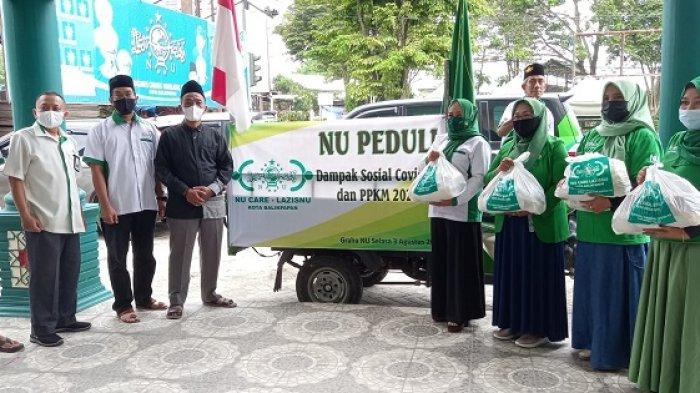 PCNU Kota Balikpapan menyalurkan 600 paket sembako kepada warga terdampak pandemi Covid-19 di Kota Balikpapan.