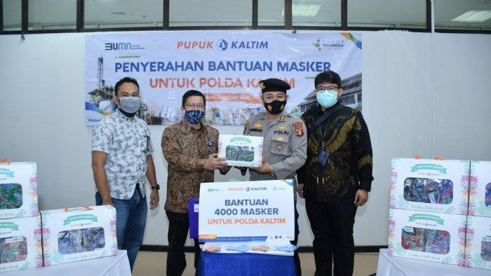 Pupuk Kaltim Pro Active Covid-19 Salurkan Bantuan 4.000 Masker ke Polda Kaltim
