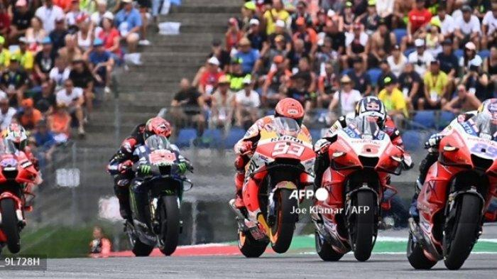 Pembalap Ducati-Pramac Jorge Martin (depan), diikuti Johann Zarco,Marc Marquez dan Fabio Quartararo, pada MotoGP Austria di Sirkuit Red Bull Ring, 15 Agustus 2021. Inilah jadwal MotoGP 2021 terbaru dan klasemen sementara.