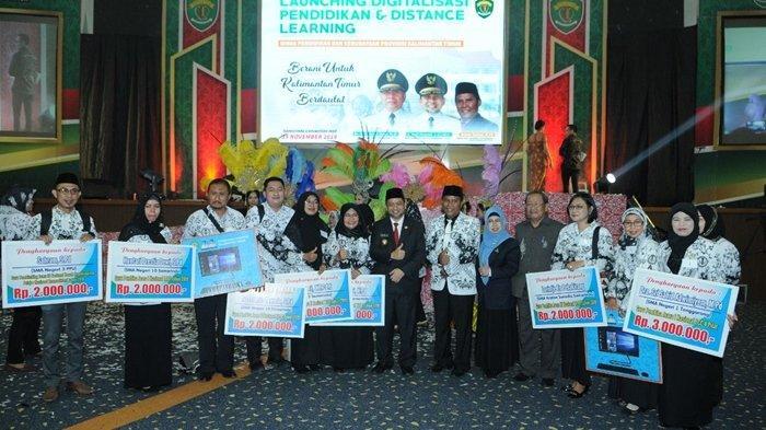 Pemprov Kalimantan Timur Serahkan Beasiswa Tuntas 2019 Bantuan Biaya Pendidikan D3 Hingga S3 Halaman 3 Tribun Kaltim